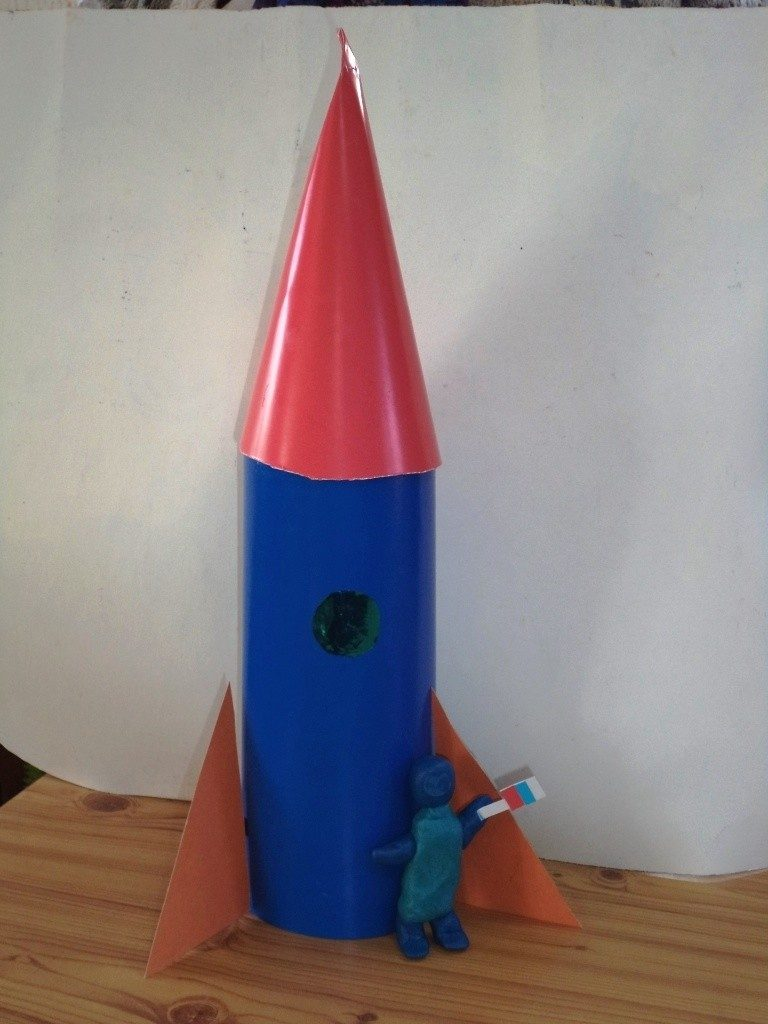 хватает картинка ракеты из картона предназначены они