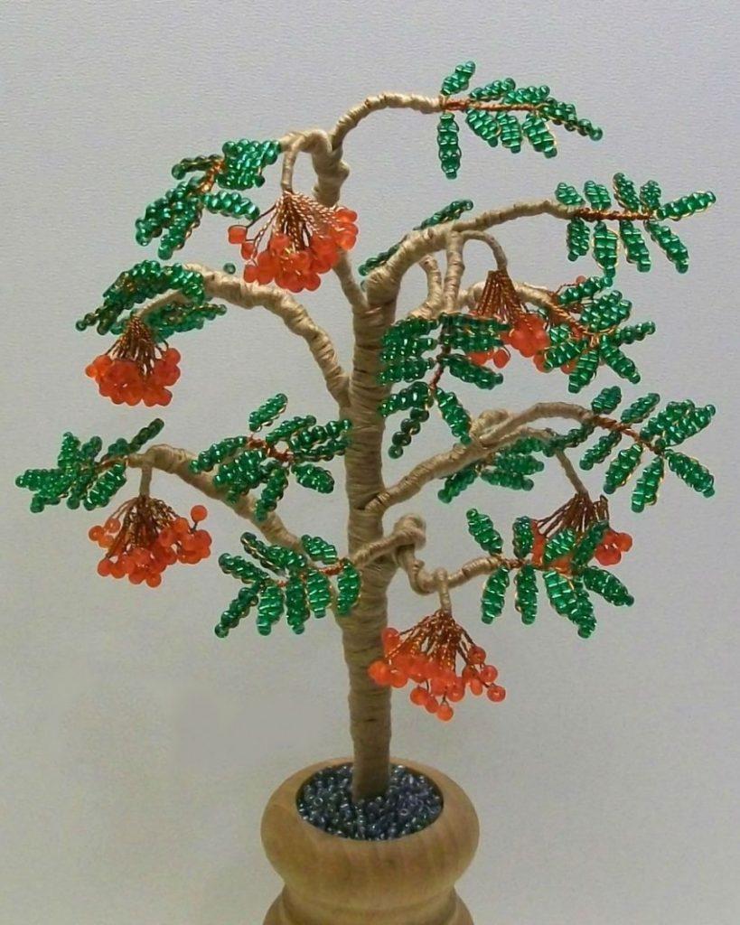 поделка из бисера дерево для начинающих девушка одна