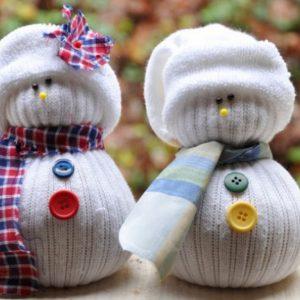 Поделки из носков: идеи и варианты пошива игрушек и подарков для детей и взрослых (100 фото)