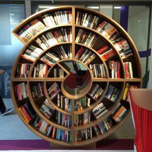 Современная полка для книг своими руками: чертежи, схемы, варианты и лучшие проекты этажерок (140 фото)