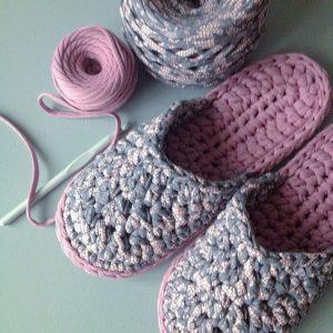 Вязание тапочек — лучшие схемы и подробное описание как их пошить своими руками просто и быстро (75 фото)
