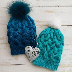 Как связать зимнюю шапку спицами: пошаговое описание для начинающих