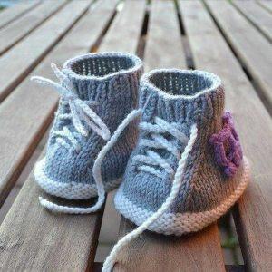Как связать пинетки для новорожденных спицами
