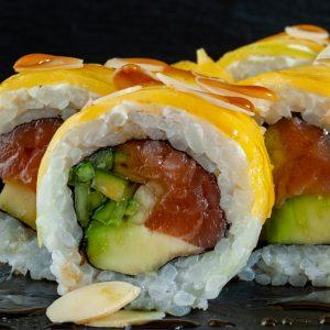 Обзор заведений с быстрой доставкой суши в г. Саратов